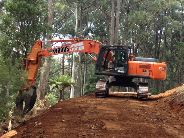 Hitachi 30t with grab